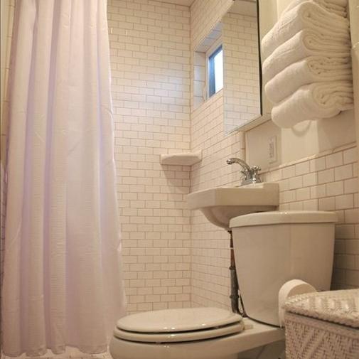 Hughes bath smallest house 2.jpg