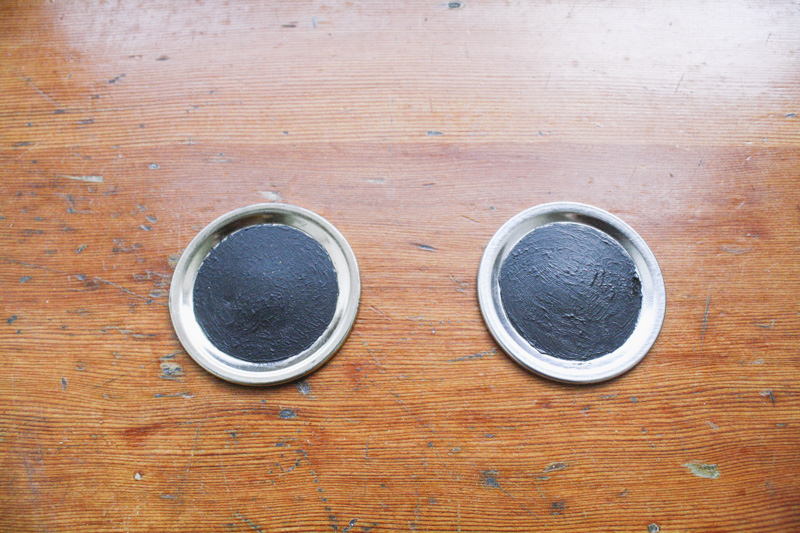 how to make your own chalkboard painted lids  3