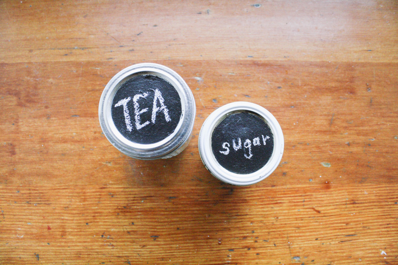 how to make your own chalkboard painted lids 6