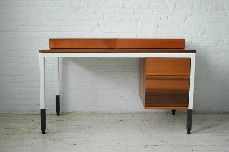Whyte Swayspace Desk