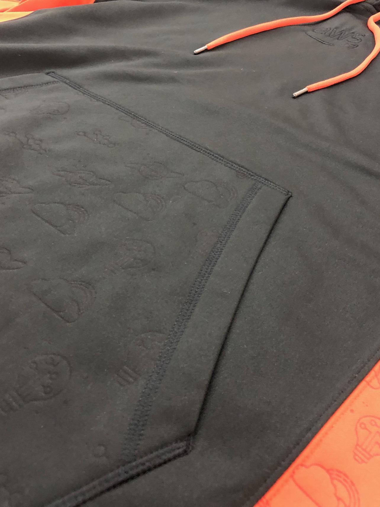logounltd_laser_etching_embroidery_screen_printing_apparel_uniform_custom_tshirts_dye_sublimation_kirkland_bellevue_seattle_redmond_branded_merchandise_promotional_products_logo_unltd_amazon_aws (12).jpg