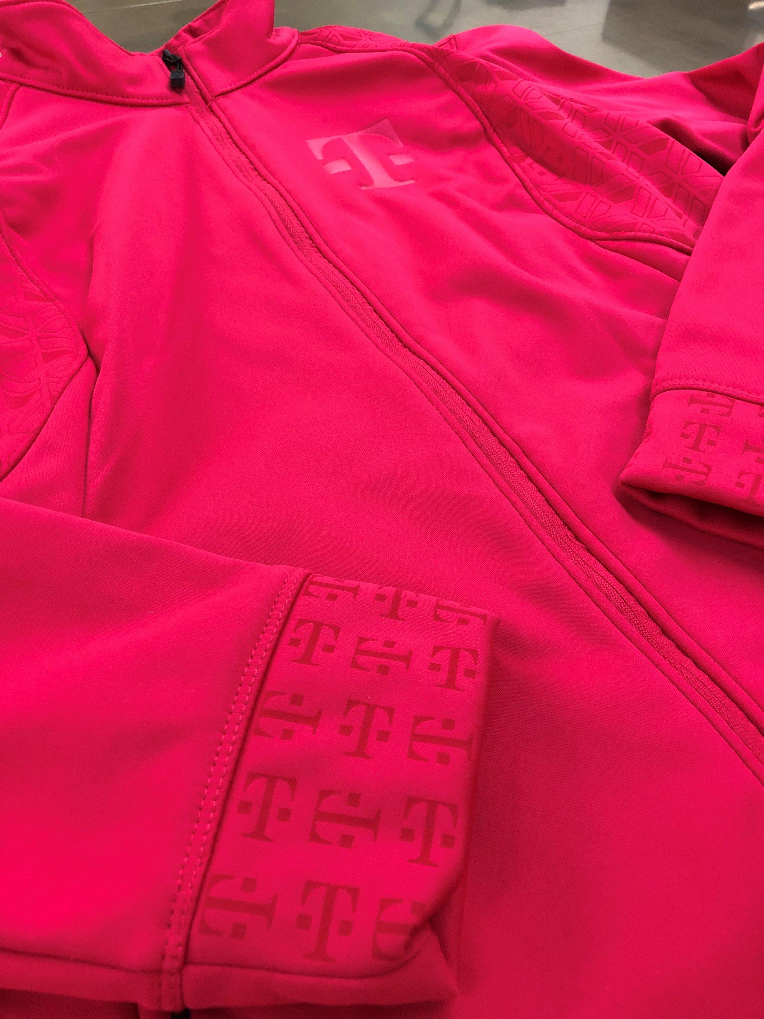 logounltd_laser_embroidery_screen_printing_apparel_uniform_custom_tshirts_kirkland_bellevue_seattle_redmond_branded_merchandise_promotional_products_logo_unltd_t_mobile_Tuesday_tmobile_un_carrier_magenta_5G_john_lege (32).jpg