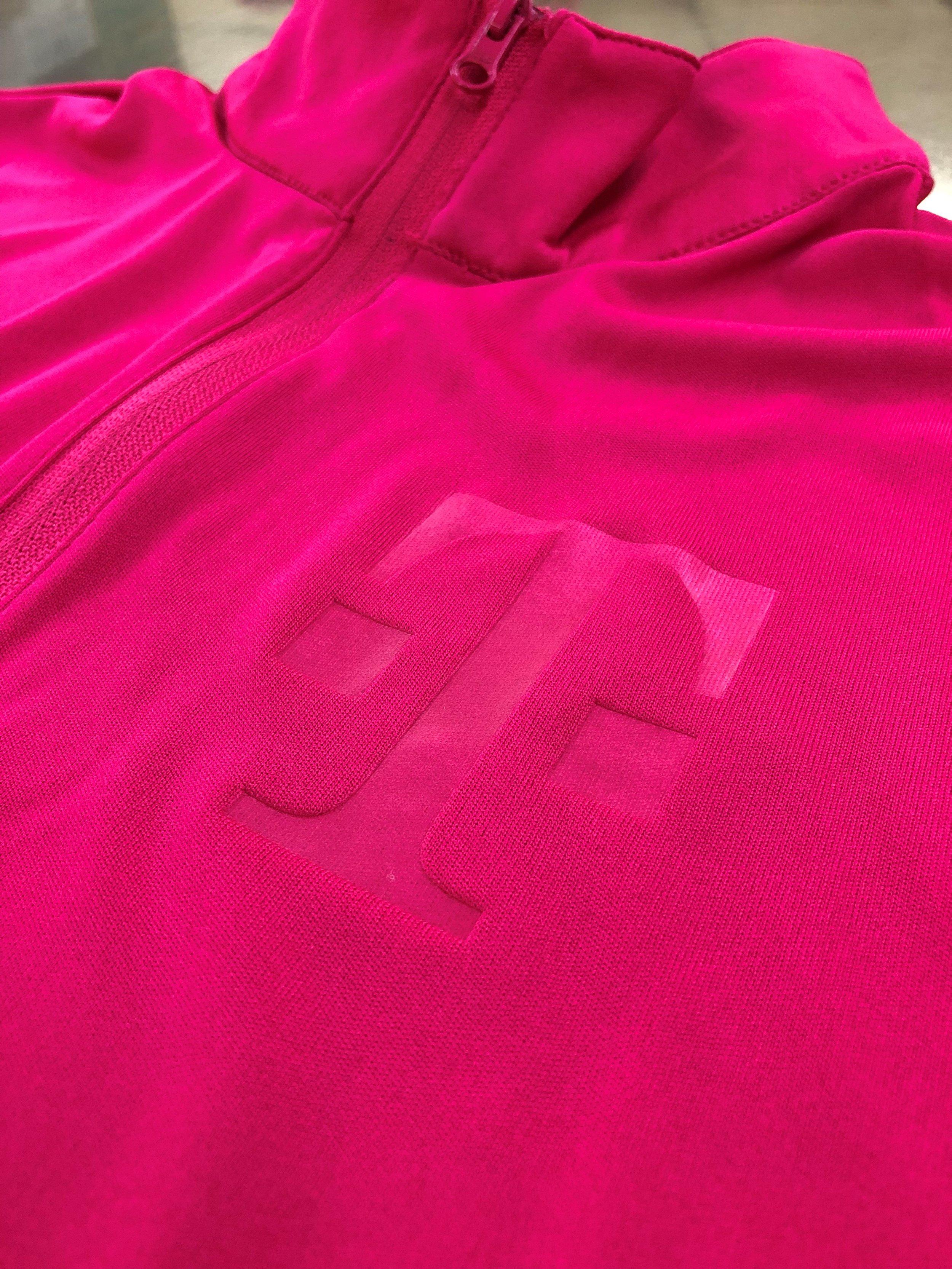 logounltd_laser_embroidery_screen_printing_apparel_uniform_custom_tshirts_kirkland_bellevue_seattle_redmond_branded_merchandise_promotional_products_logo_unltd_t_mobile_Tuesday_tmobile_un_carrier_magenta_5G_john_lege (26).jpg