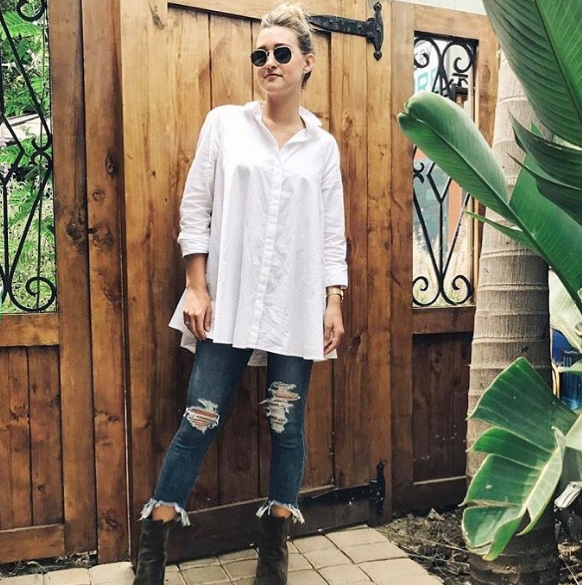 ripped and fringed jeans - For Designers, Summer 17 was about playing with the hemline on denim. Try a style that's fringed or distressed at the ankle.  Pictured @elleking in made in USA brand @justblack