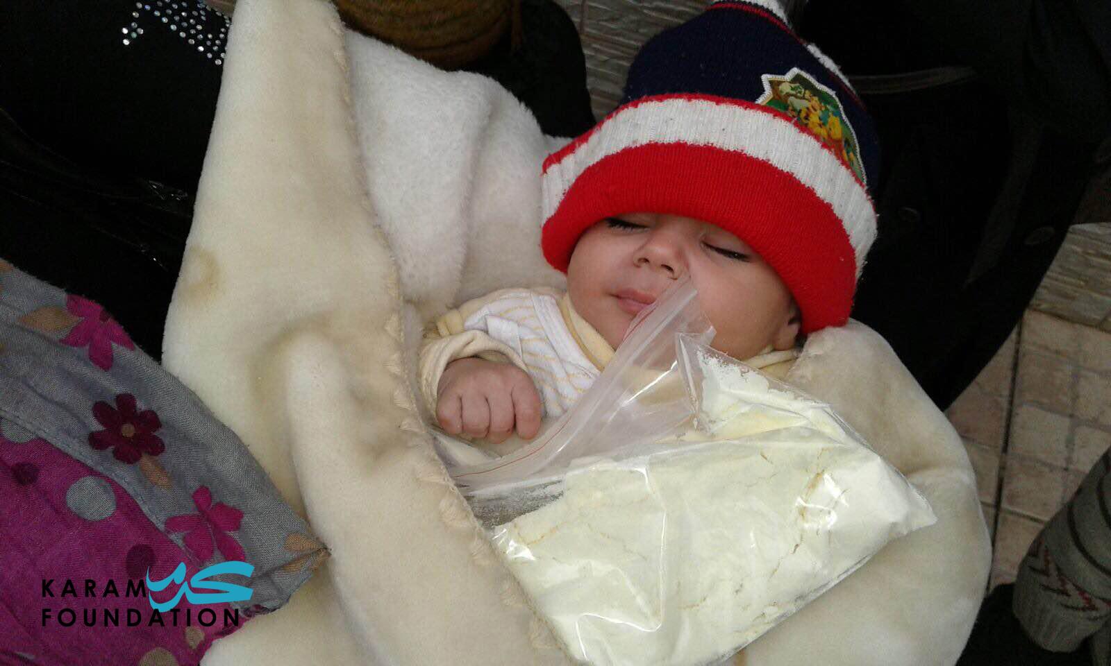 Infant formula distribution in Madaya, January 2016