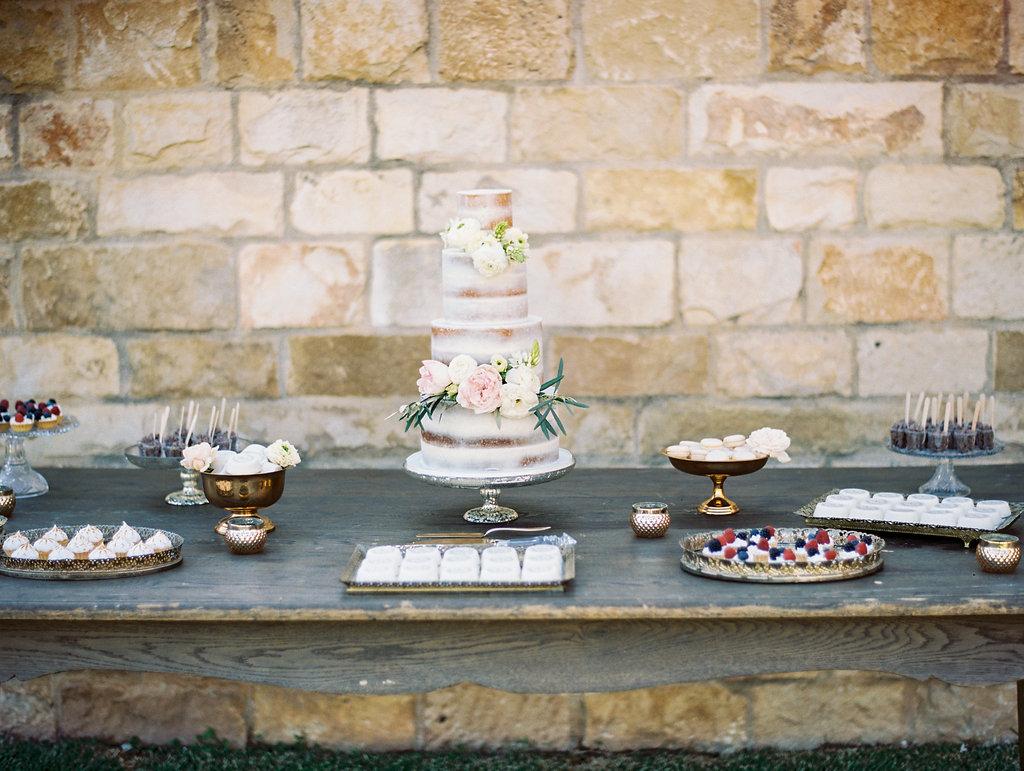 160402_Coombs_Wedding_1317-SR34364Sne042803-R8-128.jpg