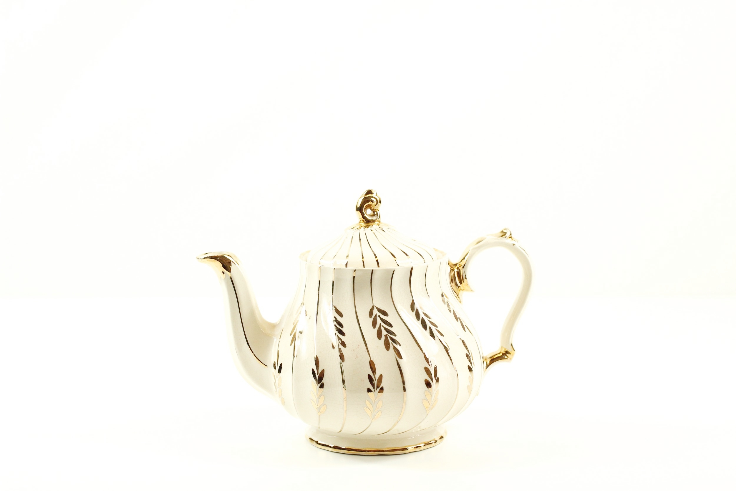 White + Gold Collection Teapot