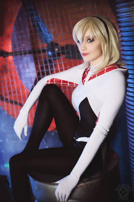 spider-gwen-cosplay-4.jpg