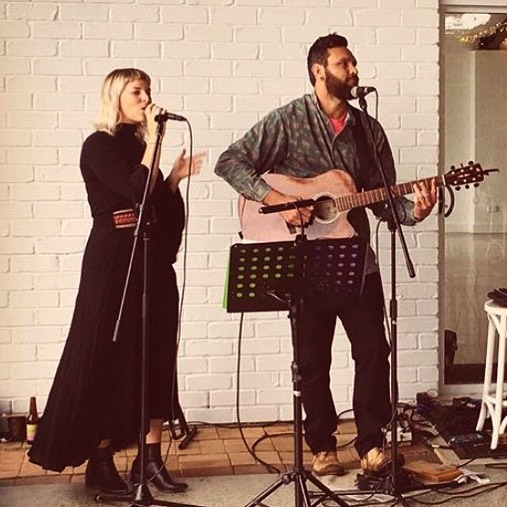 Tonight ⚡️⚡️ @theparkhotel_suffolkpark celebrating their 30th birthday! 🎈🎈 5-8pm . . . . . . #graceandbeau #music #acousticduo #music #livemusic #byronbay #byronbaymusic #acoustic #gigging