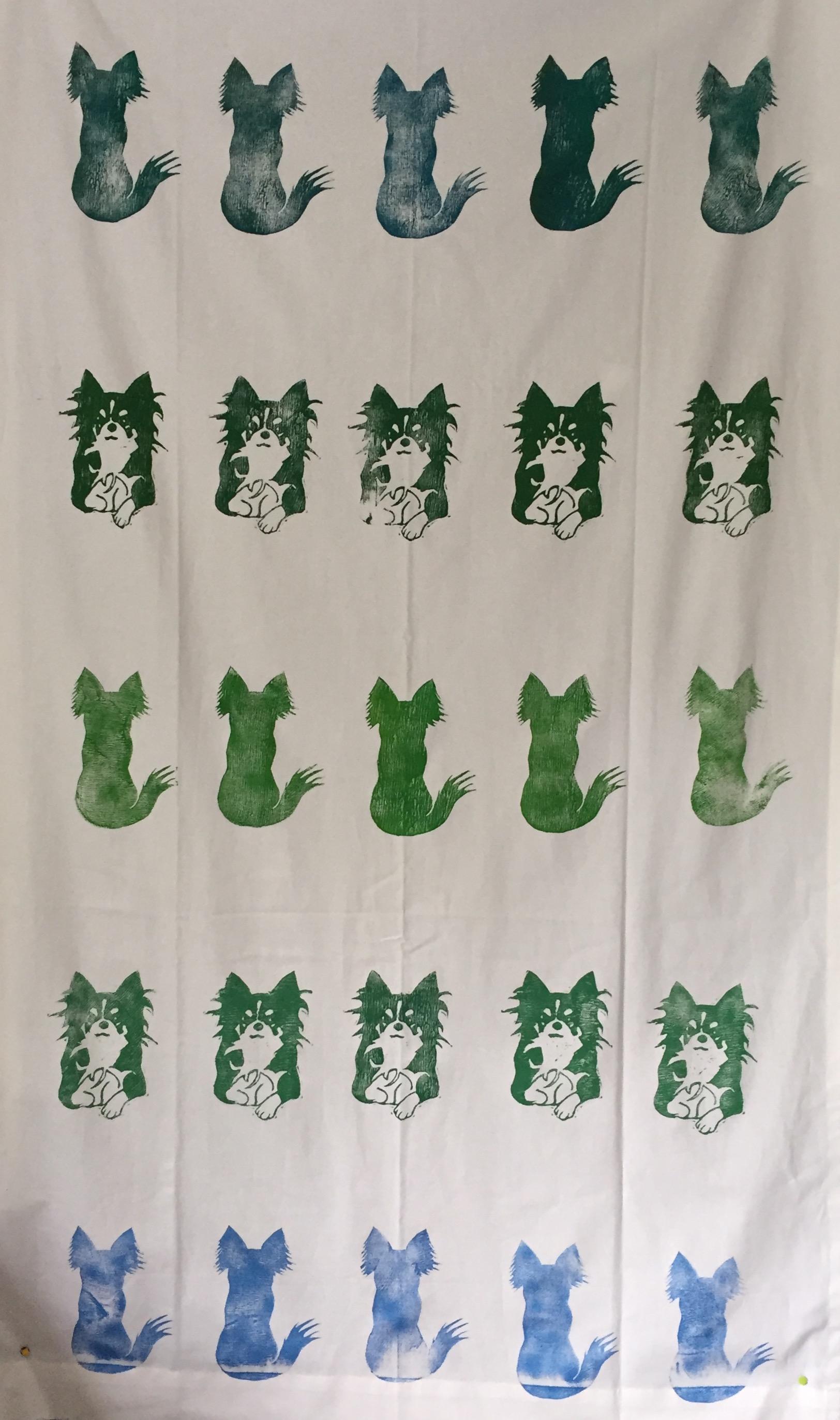 子宮の住人のための部屋のカーテンを制作。楽ちゃん(亡き愛犬)の柄にして見守ってもらおうとして。