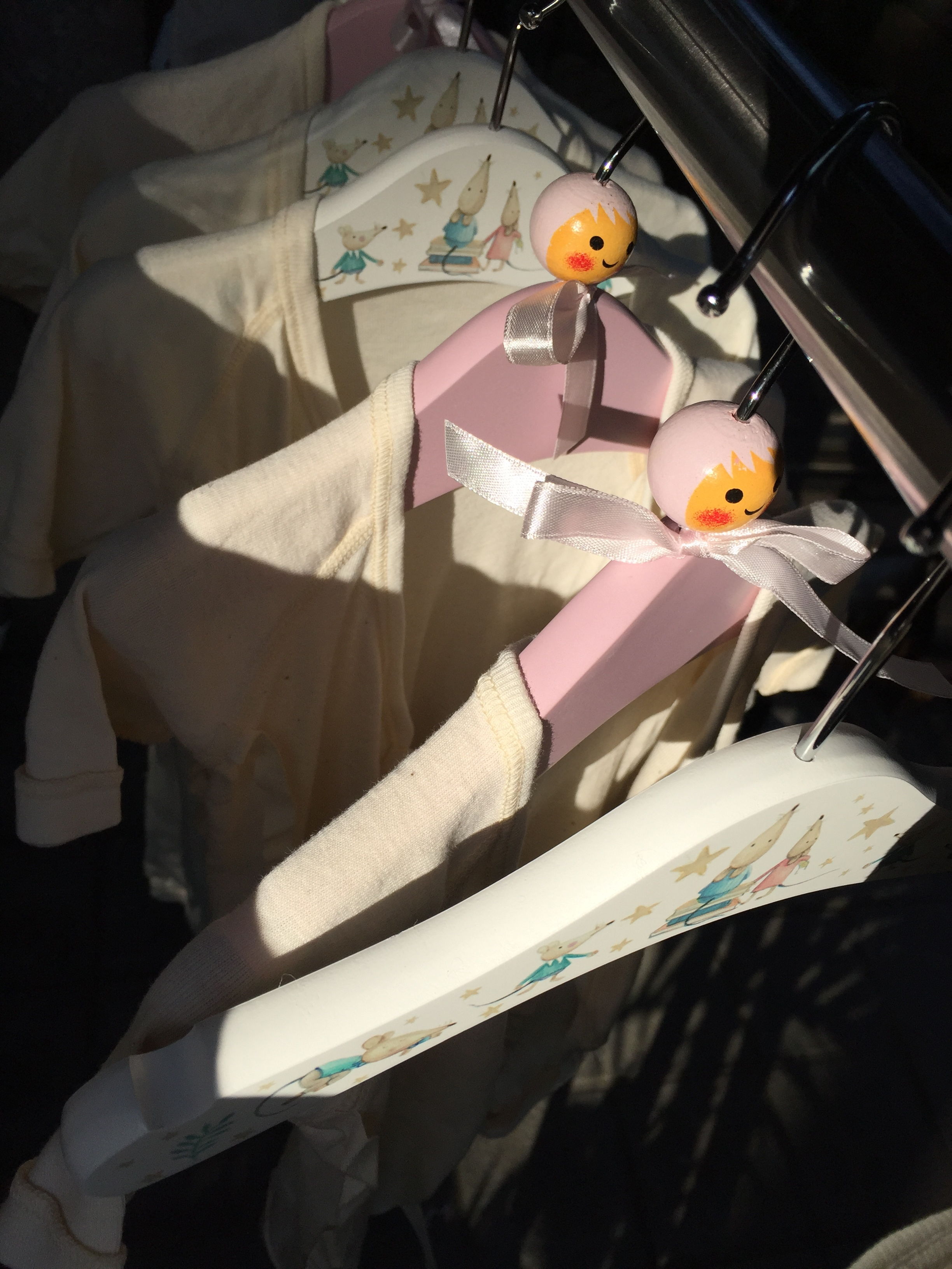 産まれてすぐに使いそうな肌着やシーツの洗濯を開始。