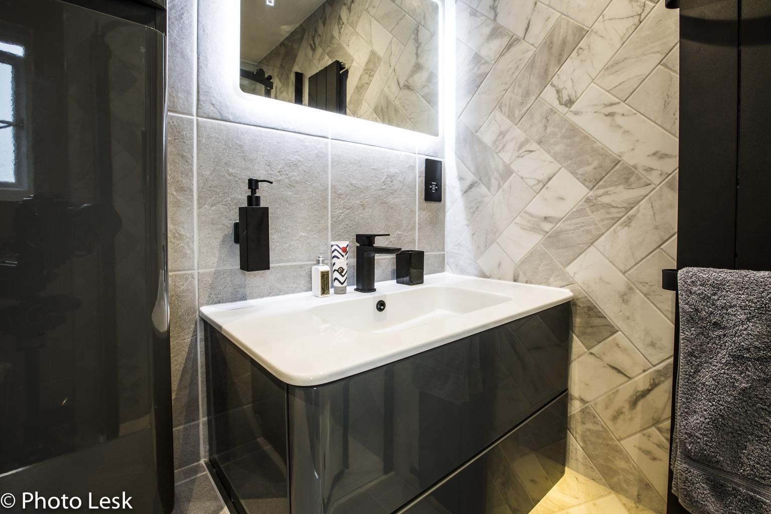 Bathroom Web-5.jpg