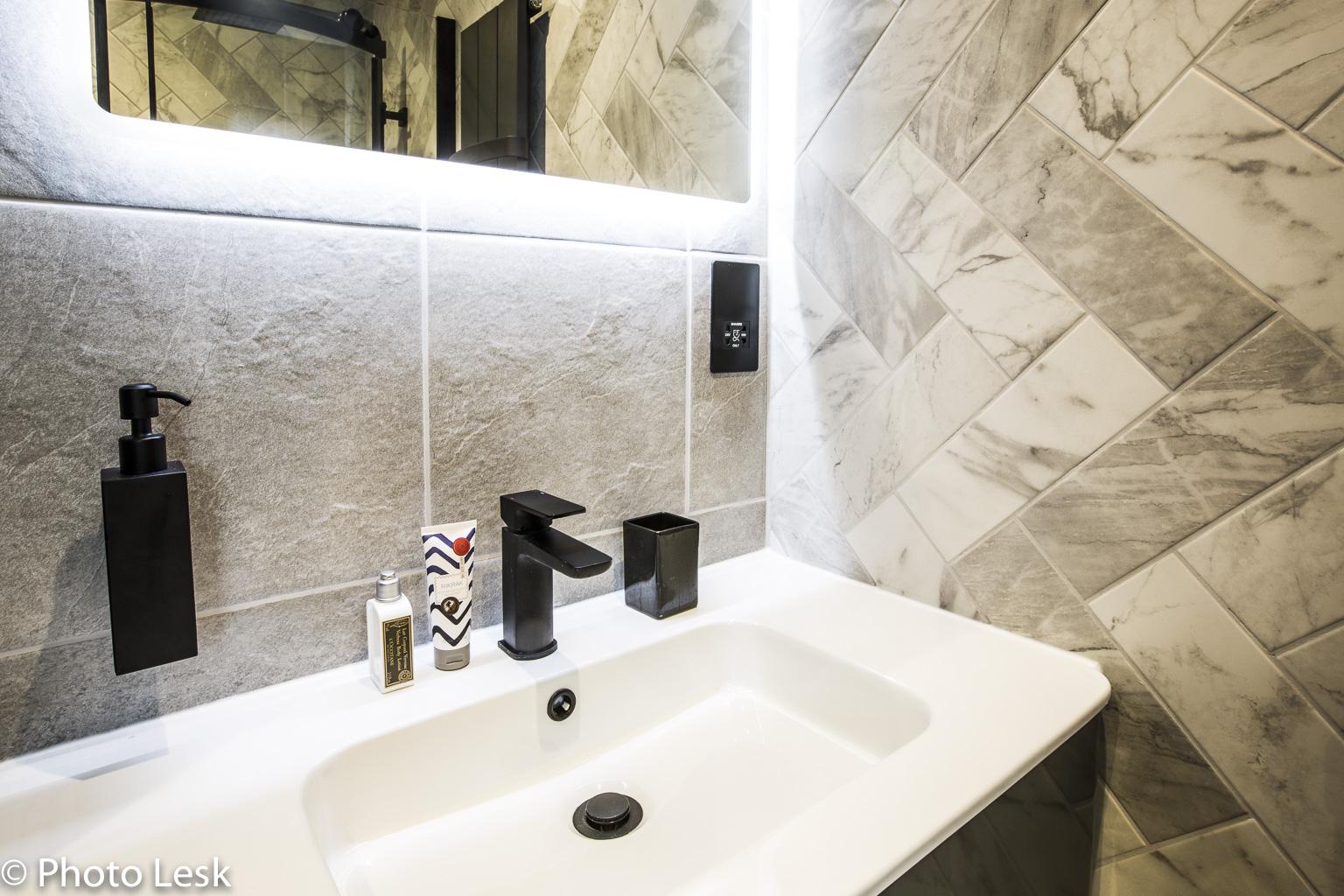 Bathroom Web-18.jpg