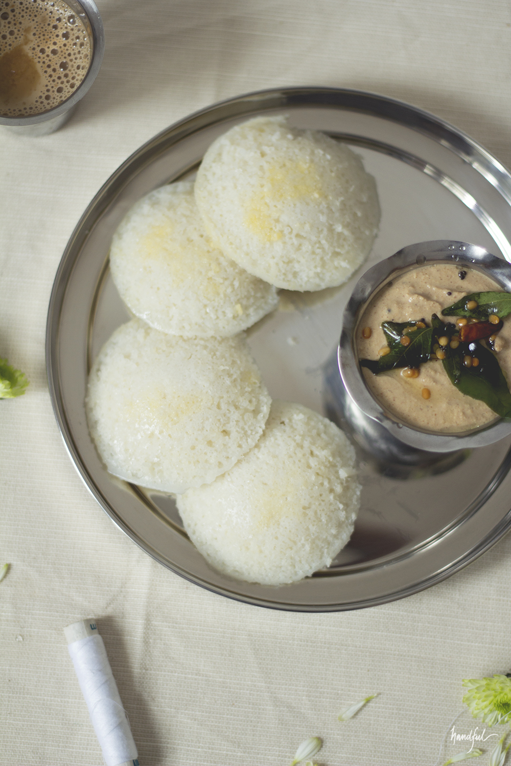 Handful | Idlis and Peanut Chutney