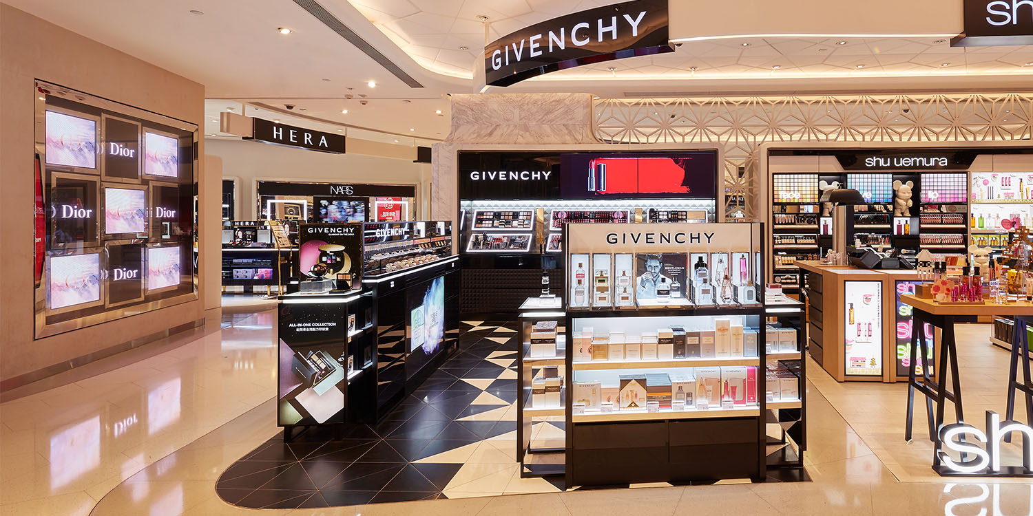 Givenchy counter in Hysan place2106.jpg