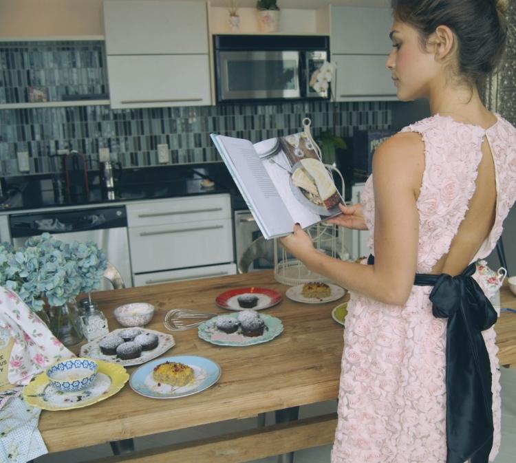 Photos, Styling & Fashion by www.C  arolinaB  enoit.com