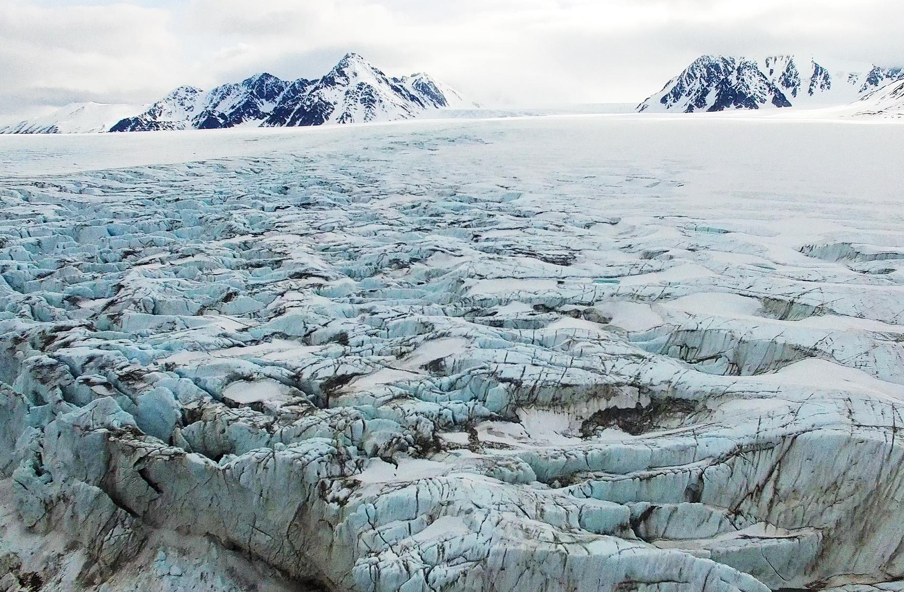 Raudfjordbreen_Svalbard.jpg