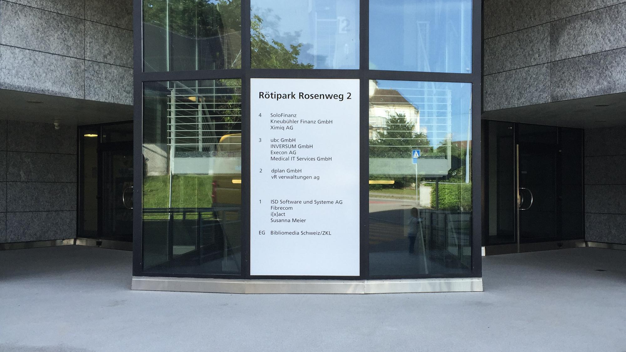 Beschriftung auf Glas