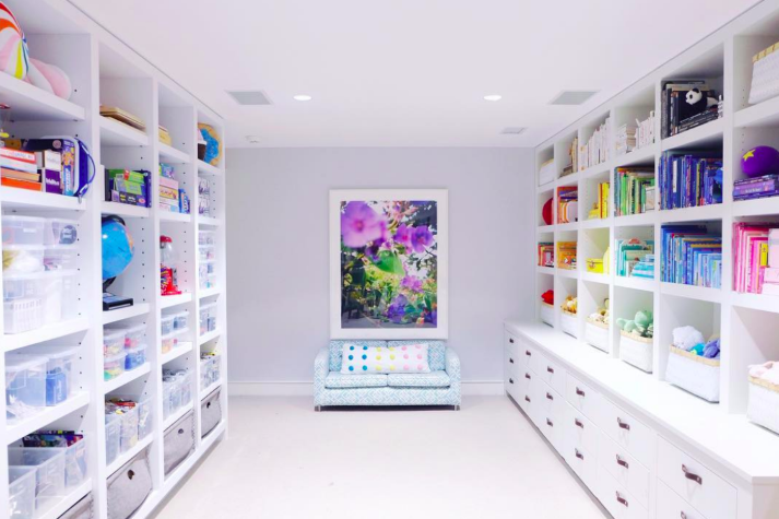 I am a huge fan of the ladies at    Th    e Home Edit   . What they did to Gwyneth Paltrow's playroom is amazing!!! (   source   )
