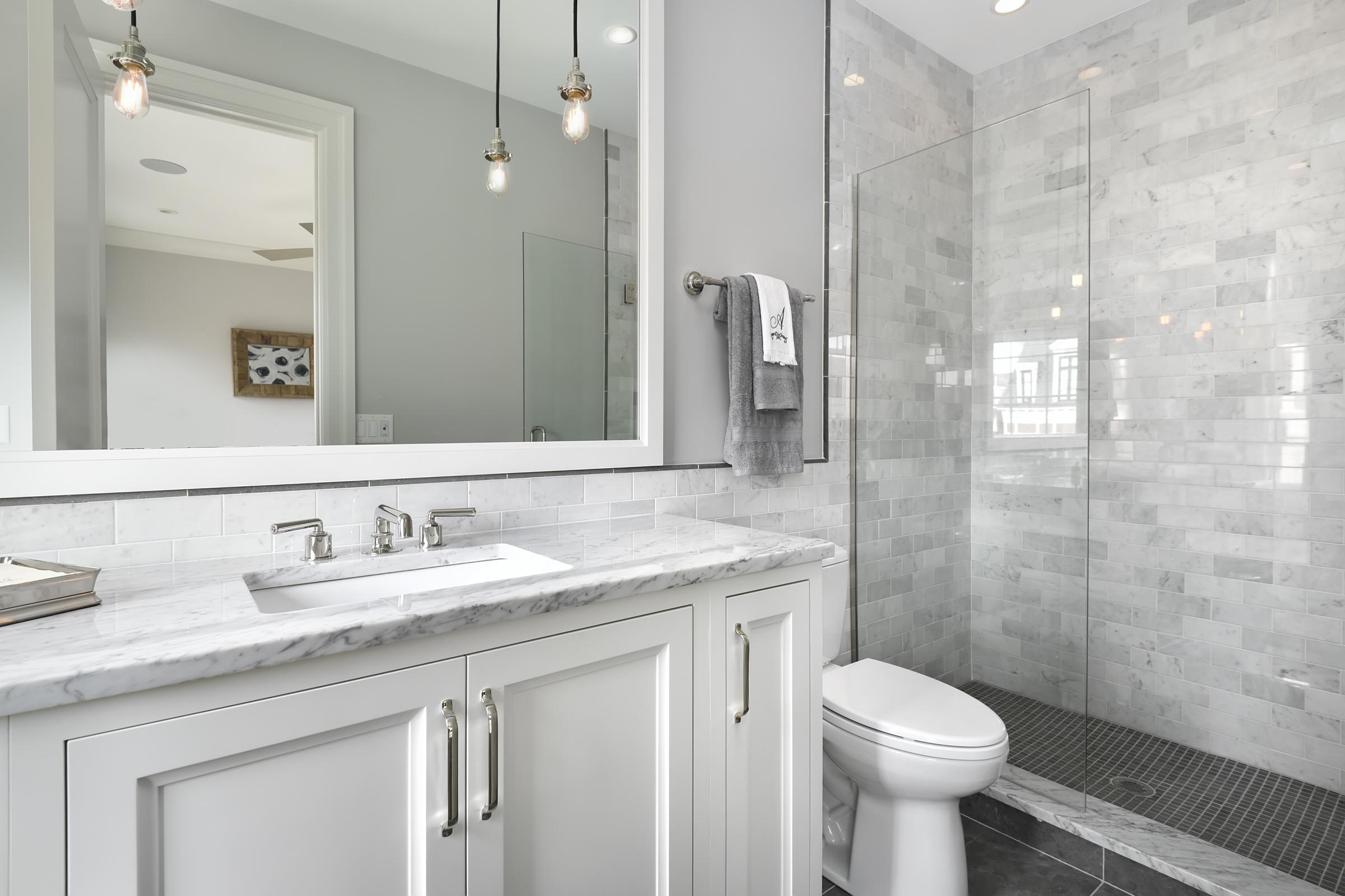 penthouse bath.jpg