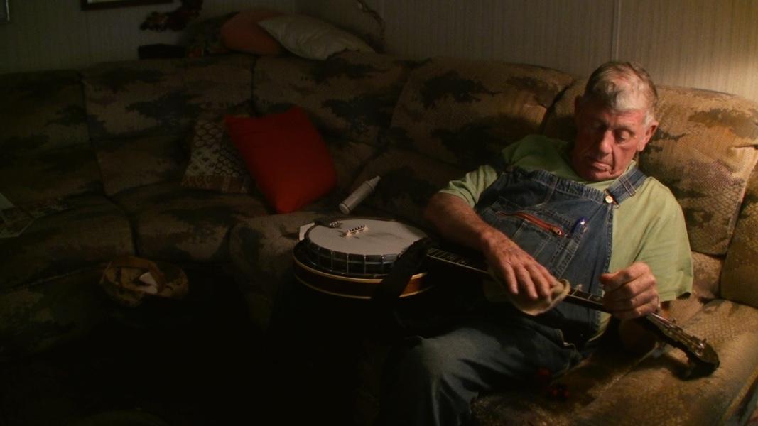 linefork-banjo-cleaning-lo-res.jpeg