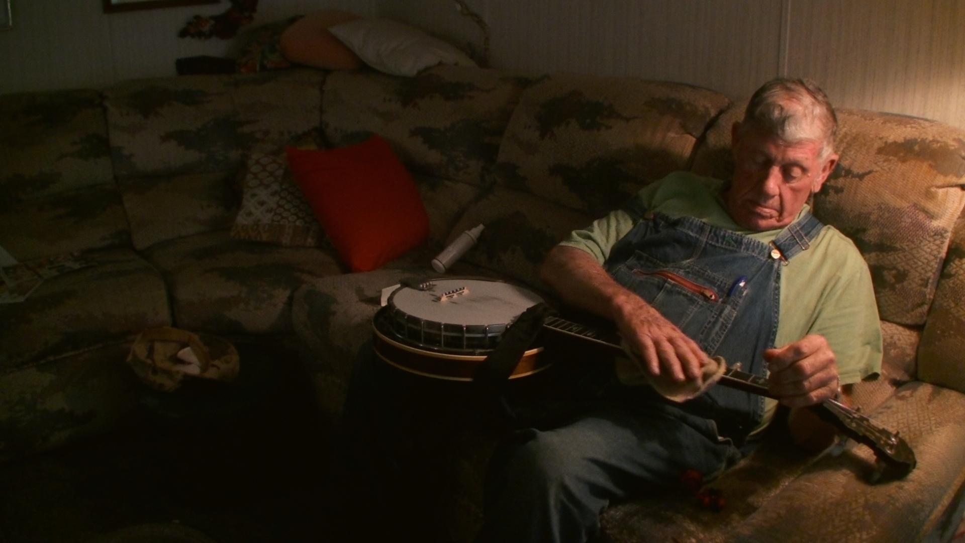 linefork banjo cleaning-300dpi.png