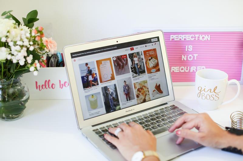 pinterest-board-on-laptop