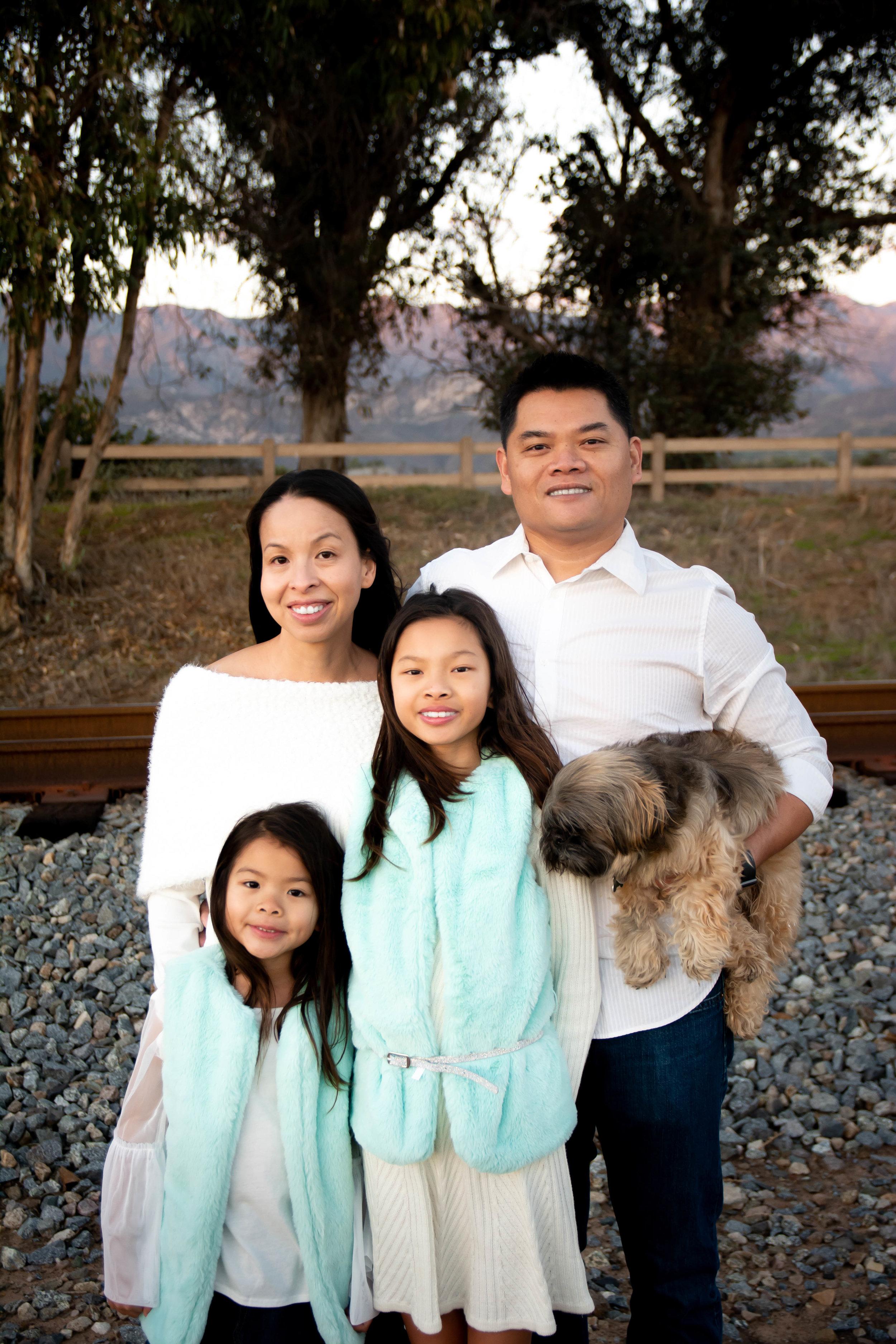 Nguyen Family 2018 (32).jpg