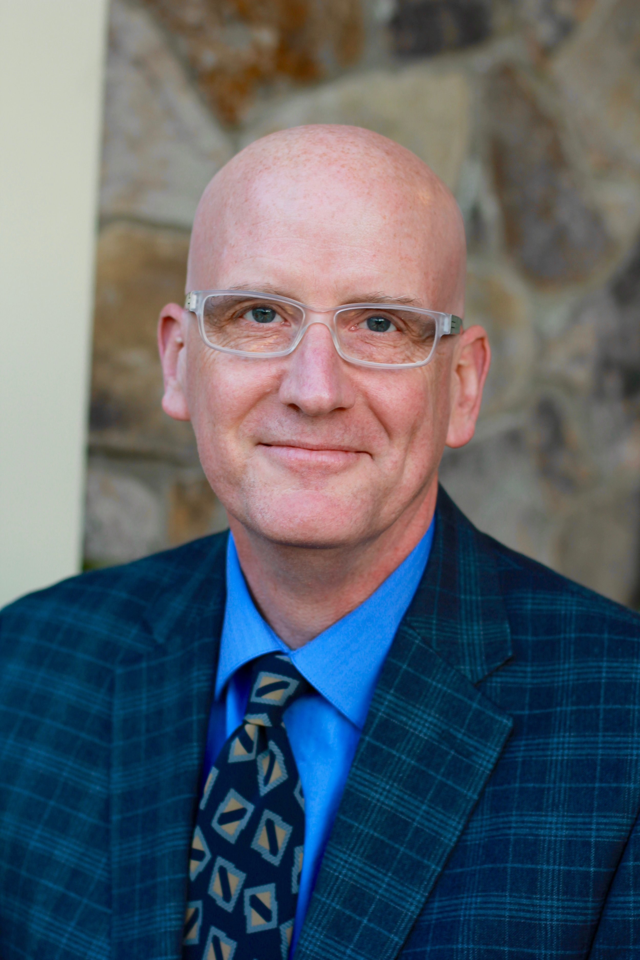 Dr. Daniel Willingham, Psychology Professor at University of Virginia and Author of   Why Don't Students Like School? ,   When Can You Trust the Experts?  ,  Raising Kids Who Read  . and   The Reading Mind   .