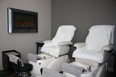 Naude Medi Spa - Manicures - Pedicures
