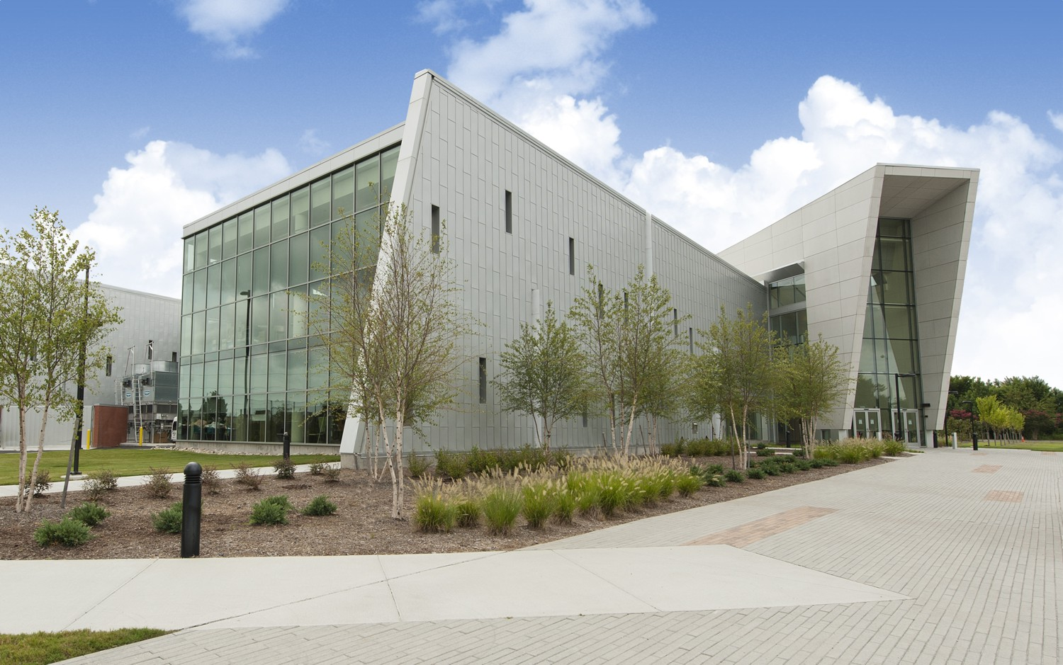 Tidewater Community College + Virginia Beach Library System Virginia Beach, VA Completed 2010