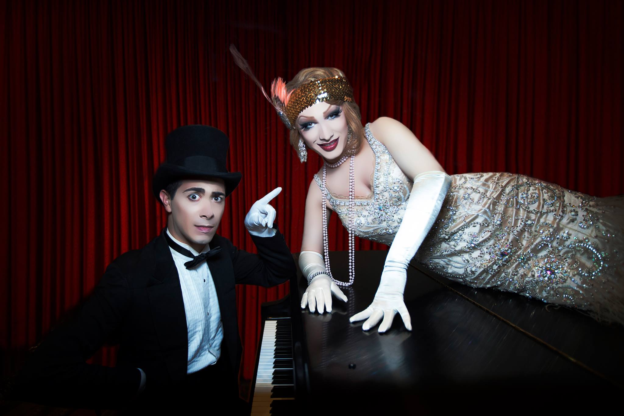 Carla Rossi introduces Jinkx Monsoon in her first PDX show since winning RuPaul's Drag Race three years ago!
