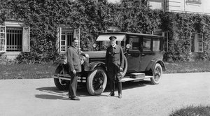 The first President of Czechoslovakia T. G.Masaryk with his brand-new ŠKODA Hispano-Suiza (1926 )