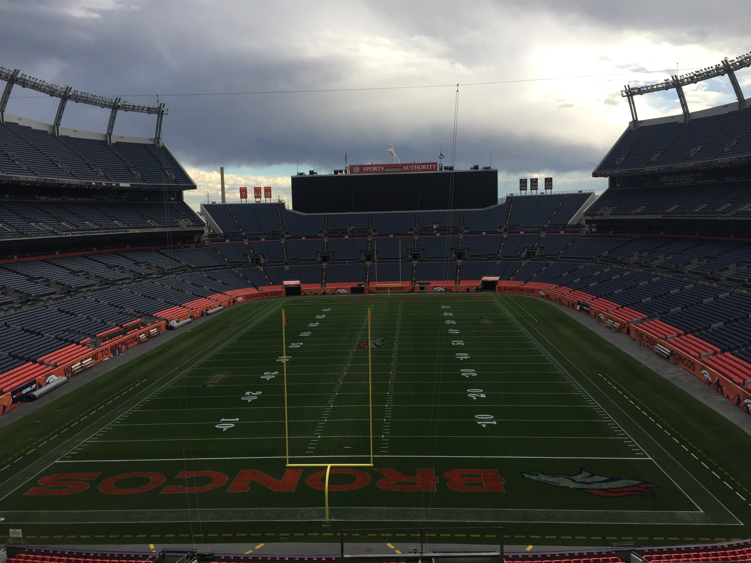 mile_high_stadium_goalpost