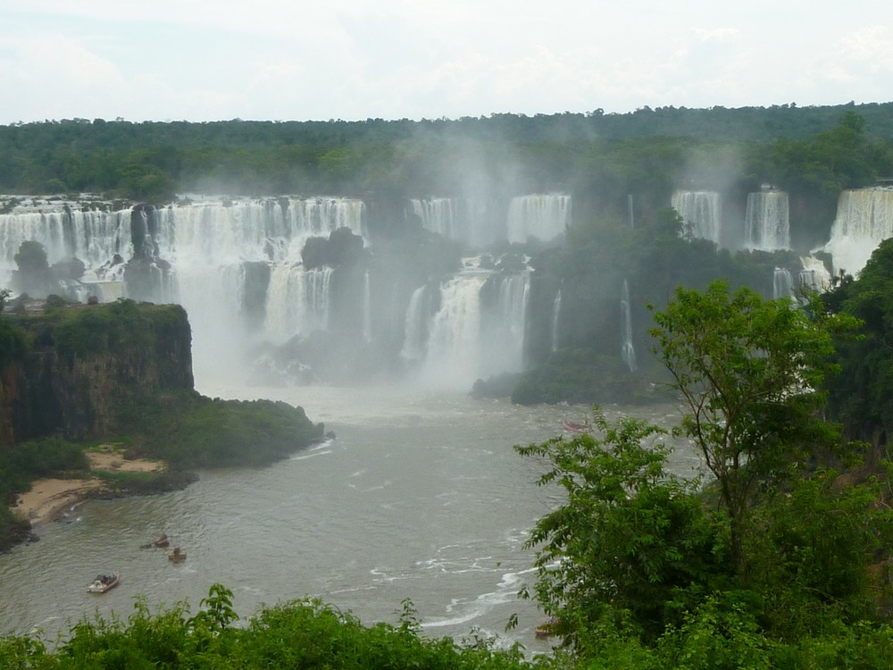 The falls from the Argentinian side