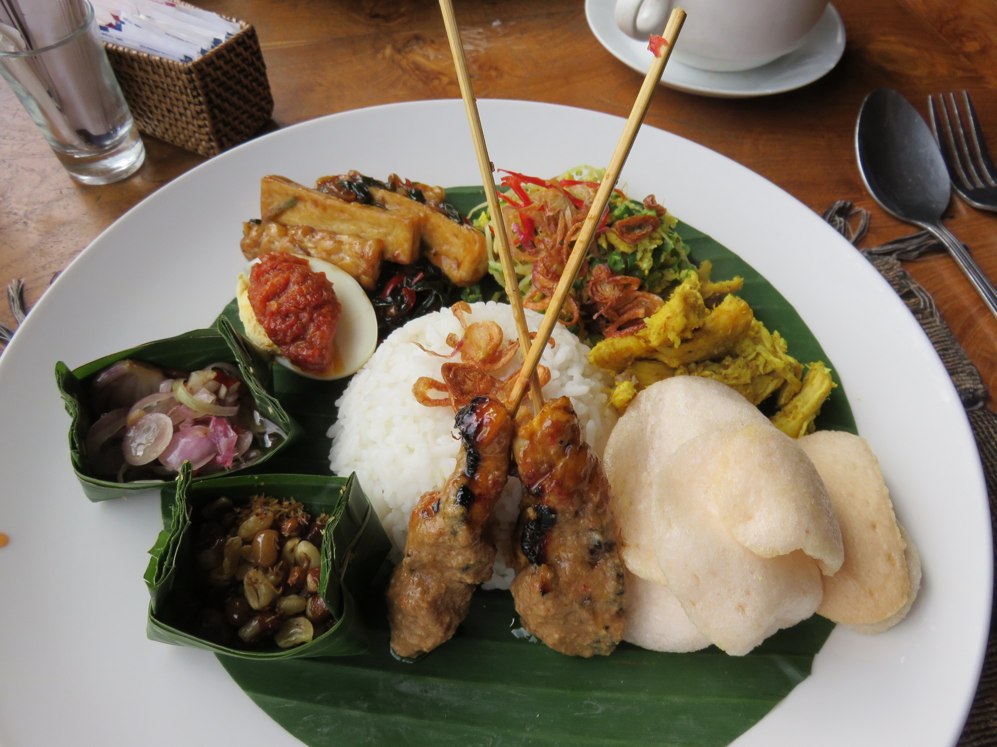 Typical Balinese presentation, a clockwork of little tastes!