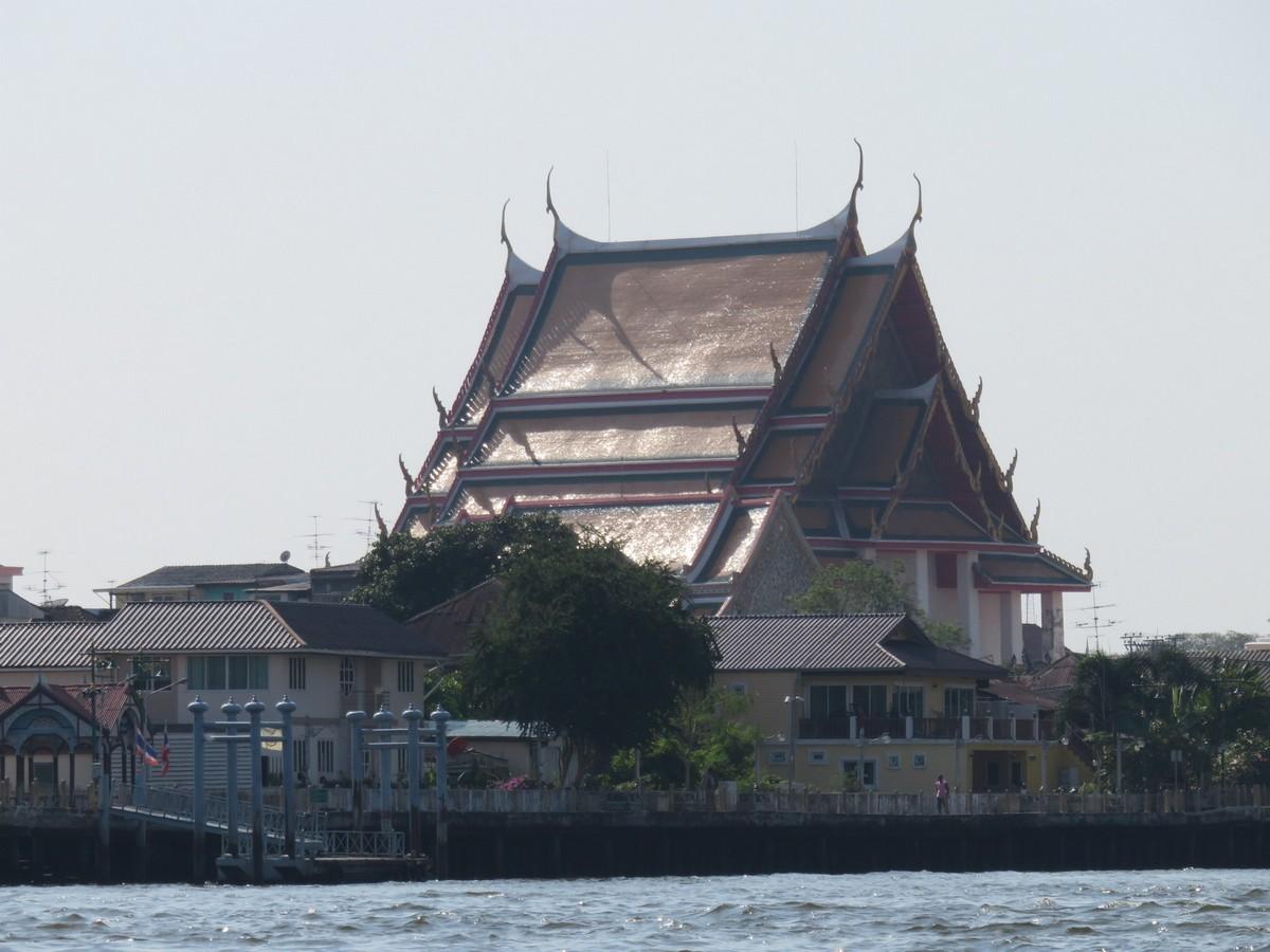 Bangkok from the water - temple views