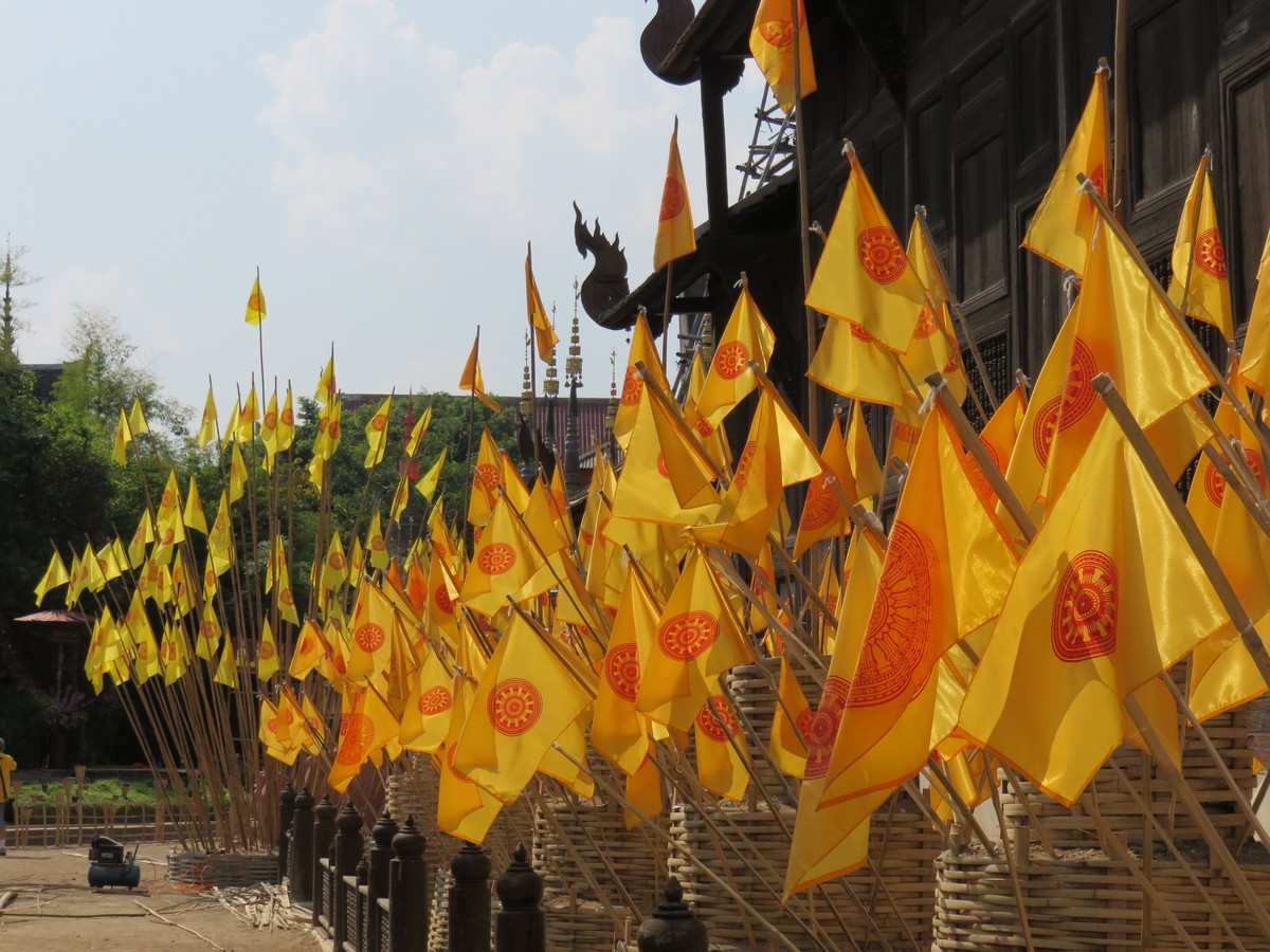 Temple flags