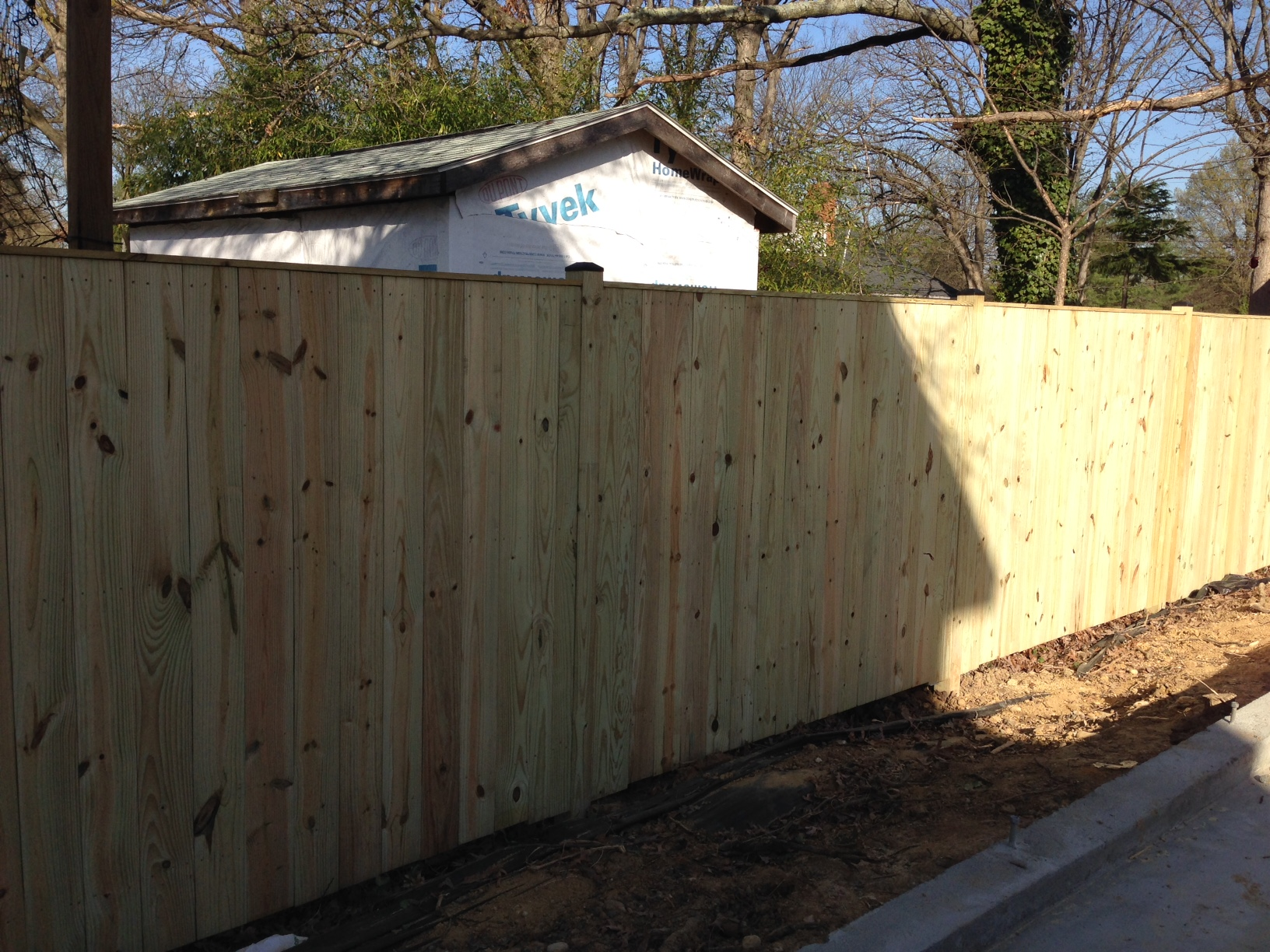 Maybe a fence is easy to install but not for me. 110' in one day. That includes clearing all the brush, rotted fence and cutting some branches. Not bad. Edyn Gonzalez is his name and fences are his game!
