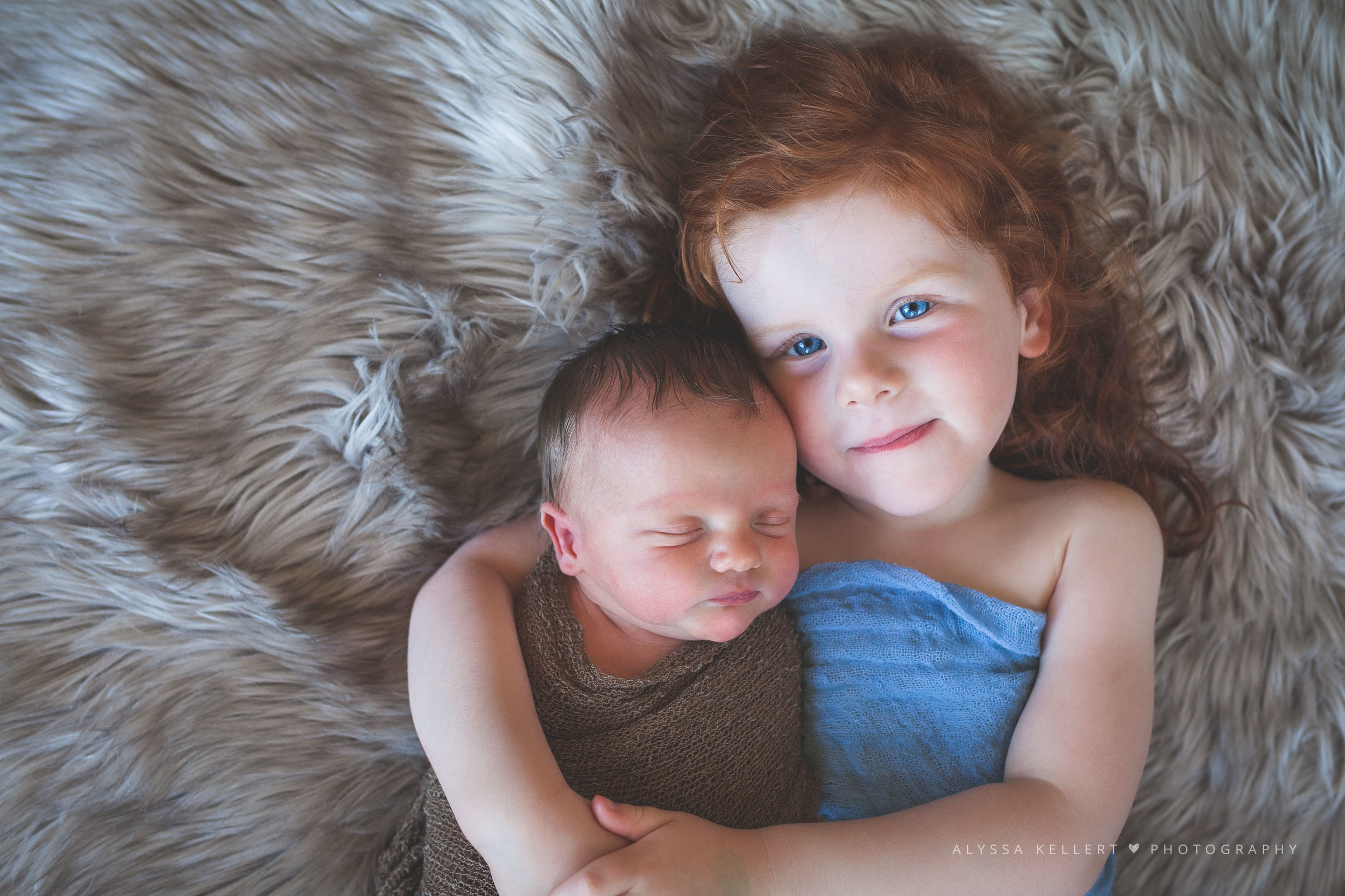 newborn-photography-lifestyle-photographer-coquitlam-vancouver-baby-sibling-sister-brother