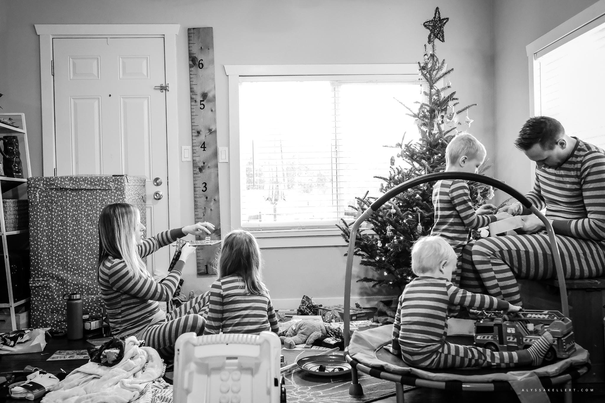 Christmas-Morning-Vancouver-family-photographer-4.jpg