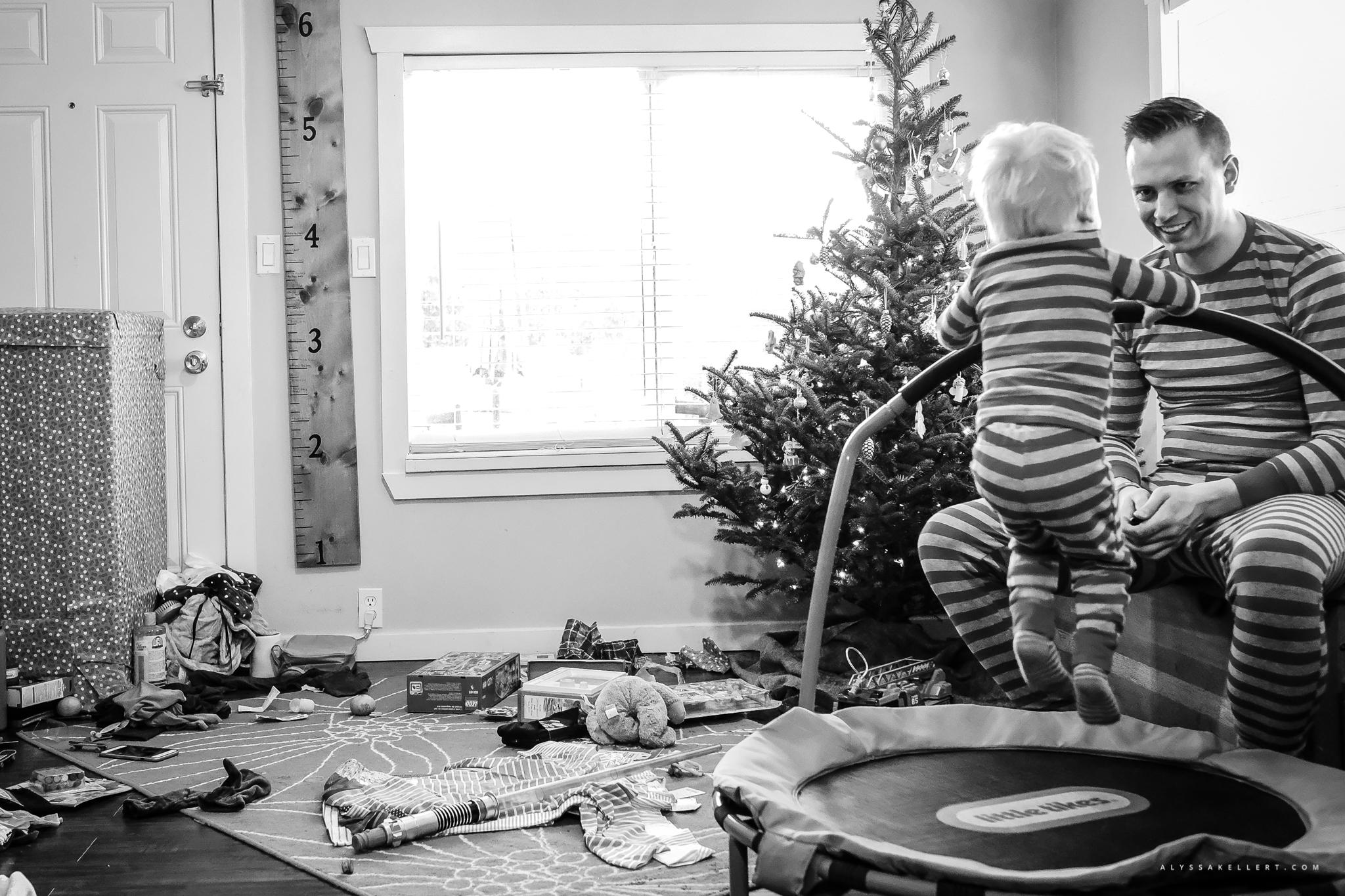 Christmas-Morning-Vancouver-family-photographer-6.jpg