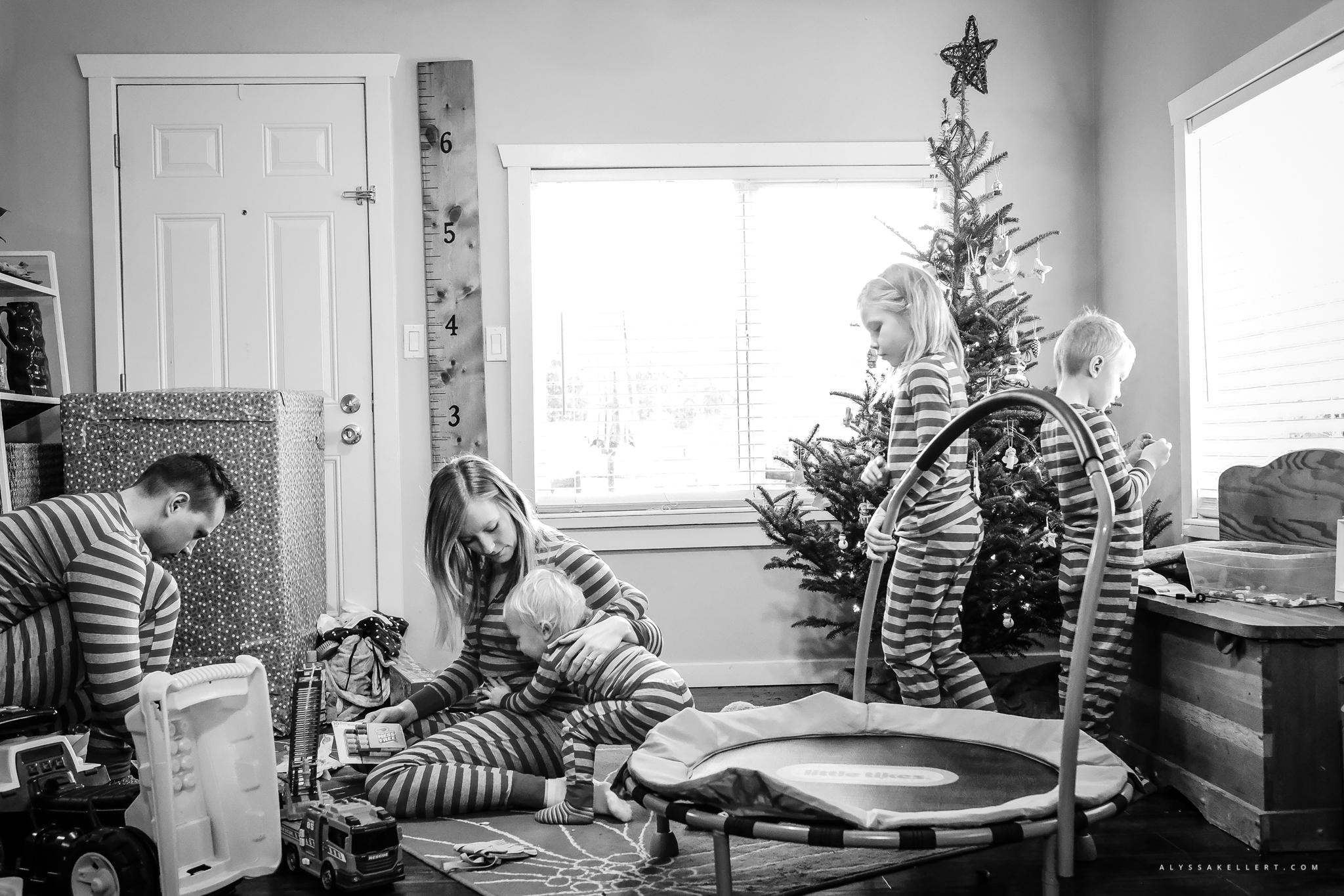 Christmas-Morning-Vancouver-family-photographer-8.jpg