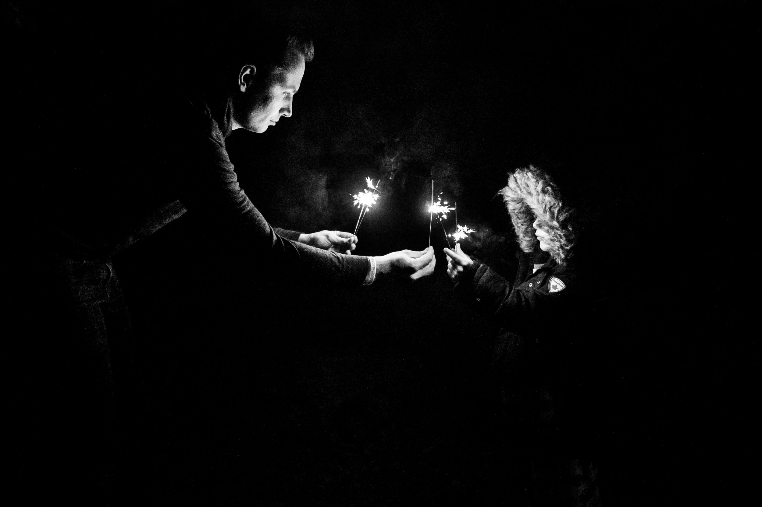 new-years-sparklers-photography-low-light-vancouver