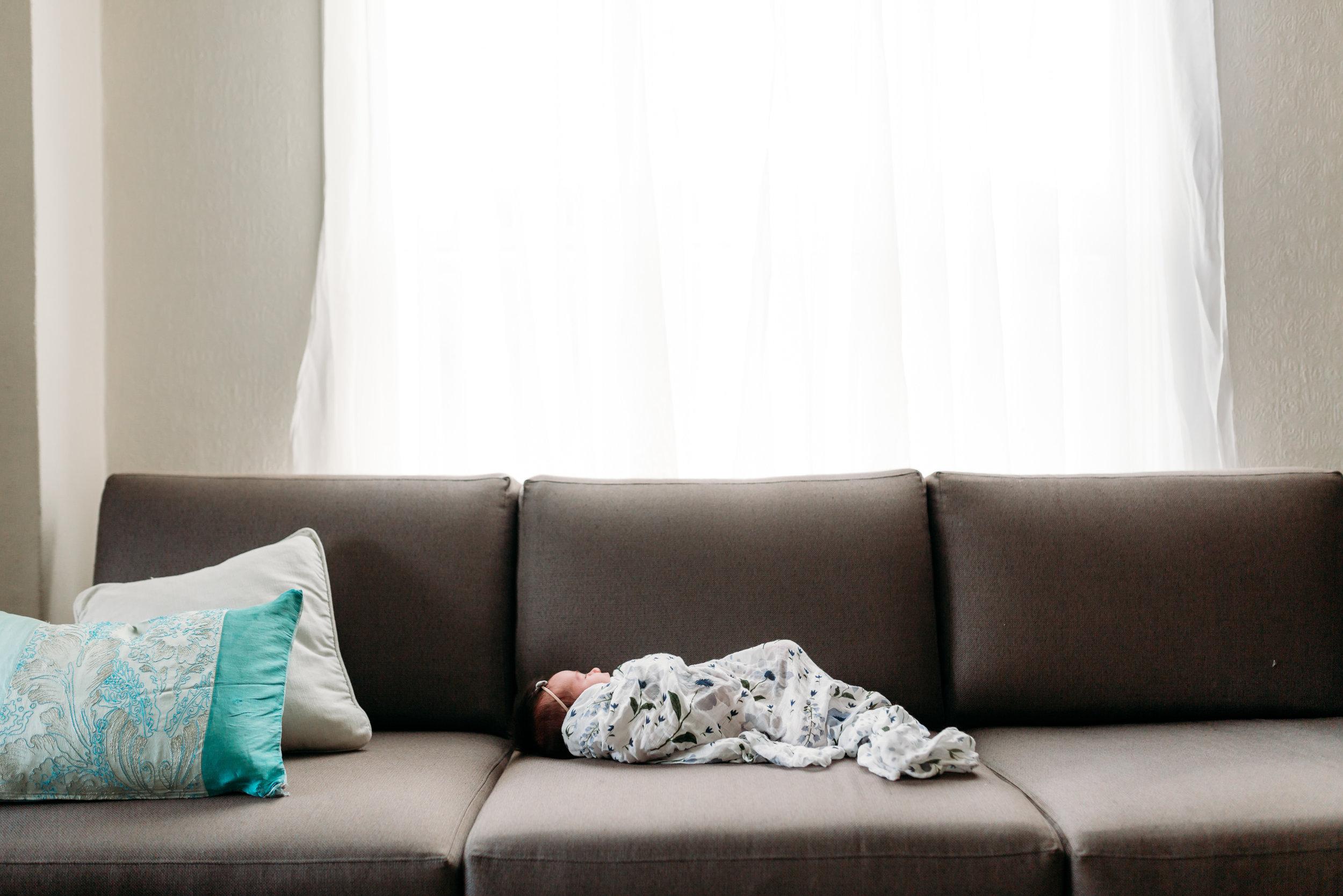 newborn-photography-baby-floral-little-unicorn-blanket