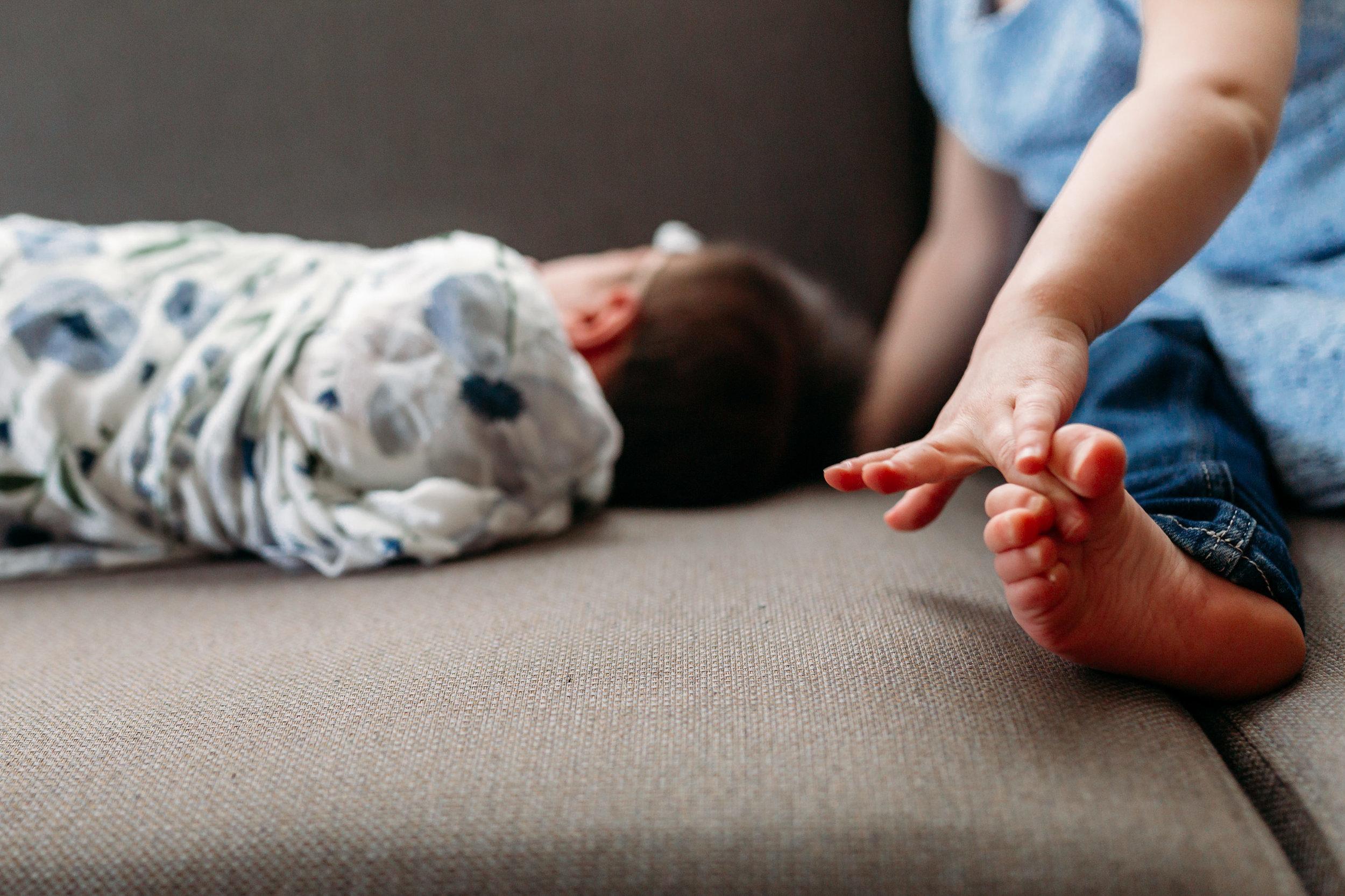 toes-kid-newborn-documentary-coquitlam