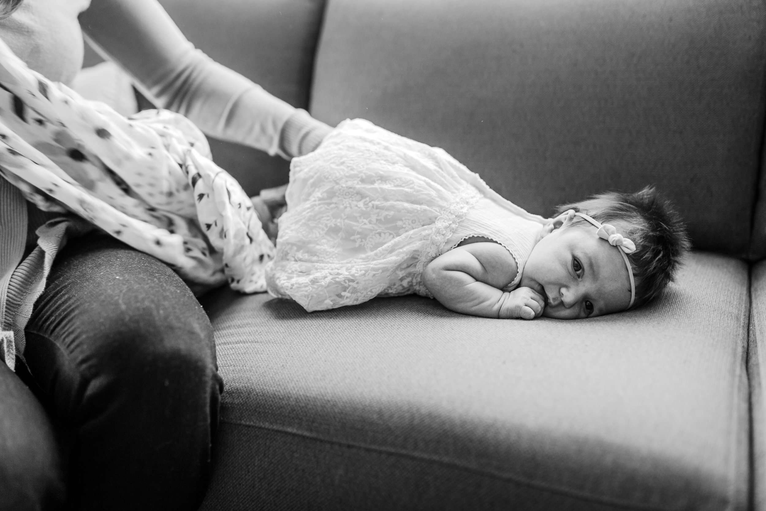 newborn-baby-mom-dressed-vancouver