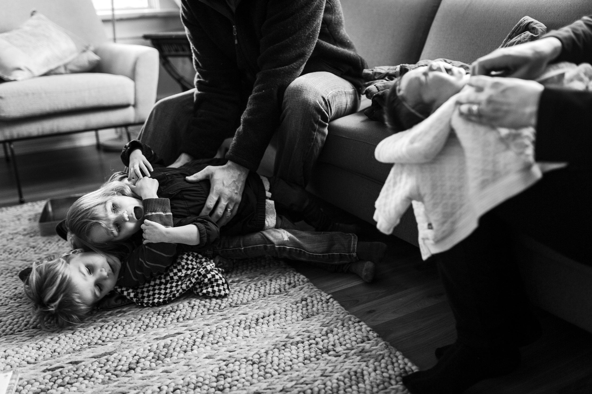 mom-kid-newborn-wrestling-family-port-coquitlam-photography