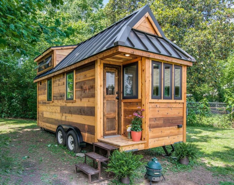 1471966484-gallery-1471024658-cedar-mountain-tiny-house-001.jpg