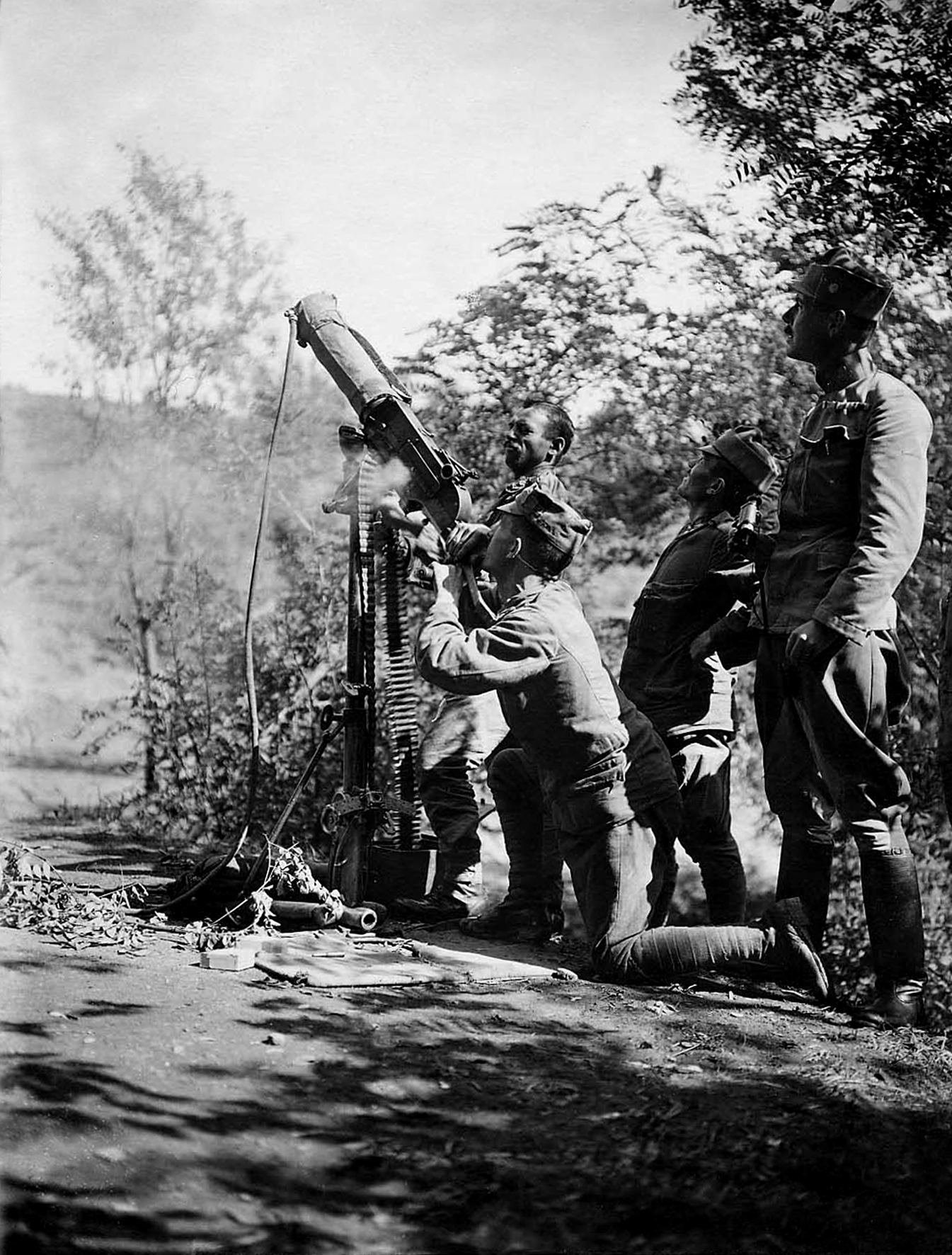 12 - Swarzlose in posizione antiaerea.JPG